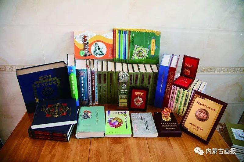 内蒙古出版界第一位蒙古族女社长—莫德格 第9张 内蒙古出版界第一位蒙古族女社长—莫德格 蒙古文化