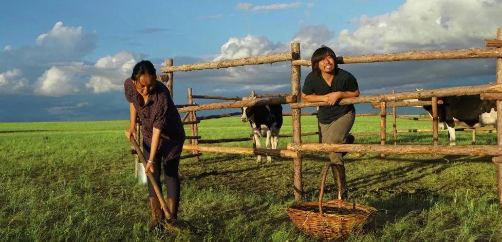 蒙古语电影《白云之下》已经上映了 第5张 蒙古语电影《白云之下》已经上映了 蒙古音乐