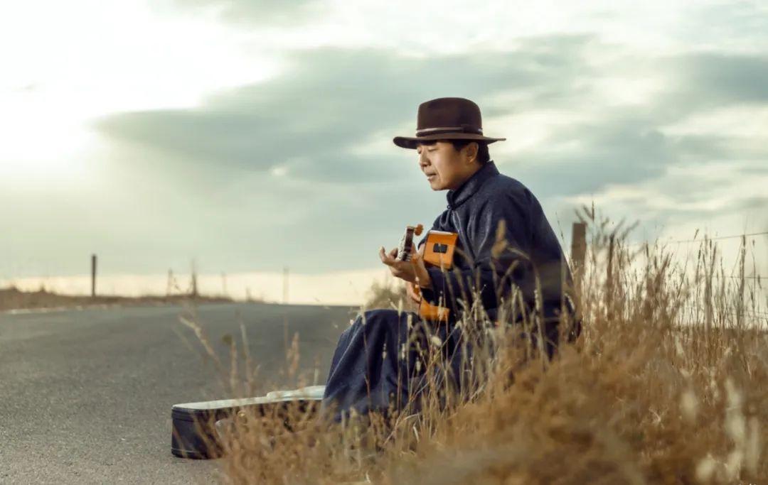 6岁小朋友演唱《永恒的火布斯》,向大家介绍最古老的蒙古族第一弹拨乐器火布斯 第5张