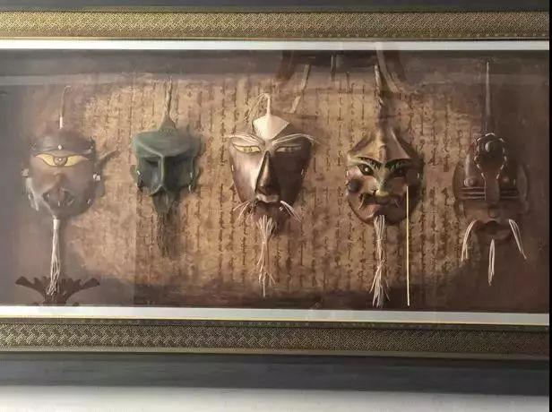 【蒙古文】阿拉善80后雕刻达人:薄牛皮上雕出3D立体画,啧啧令人称奇 第21张
