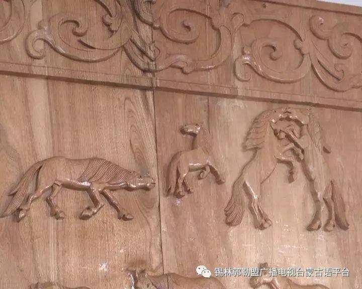 高·哈斯巴根雕刻的《蒙古族马文化经典木雕》作品与观众见面【蒙古文】 第7张