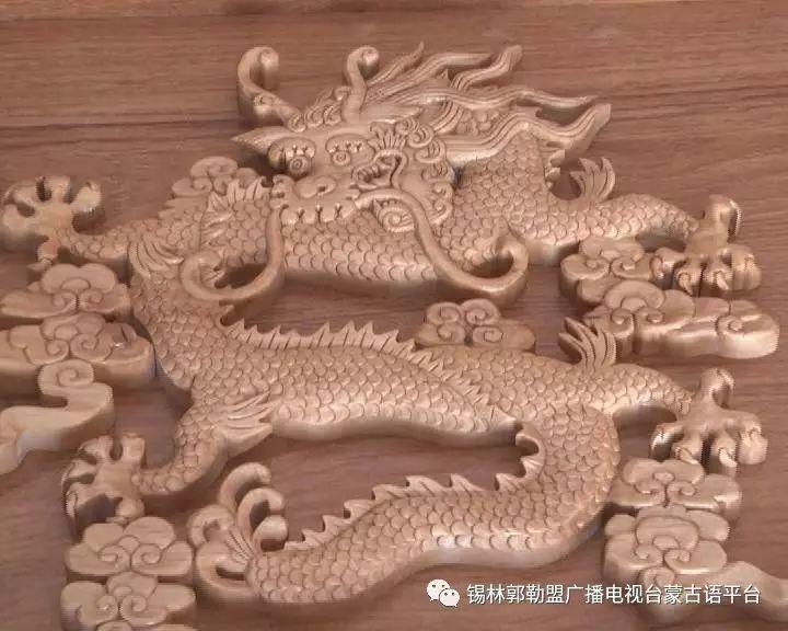 高·哈斯巴根雕刻的《蒙古族马文化经典木雕》作品与观众见面【蒙古文】 第21张