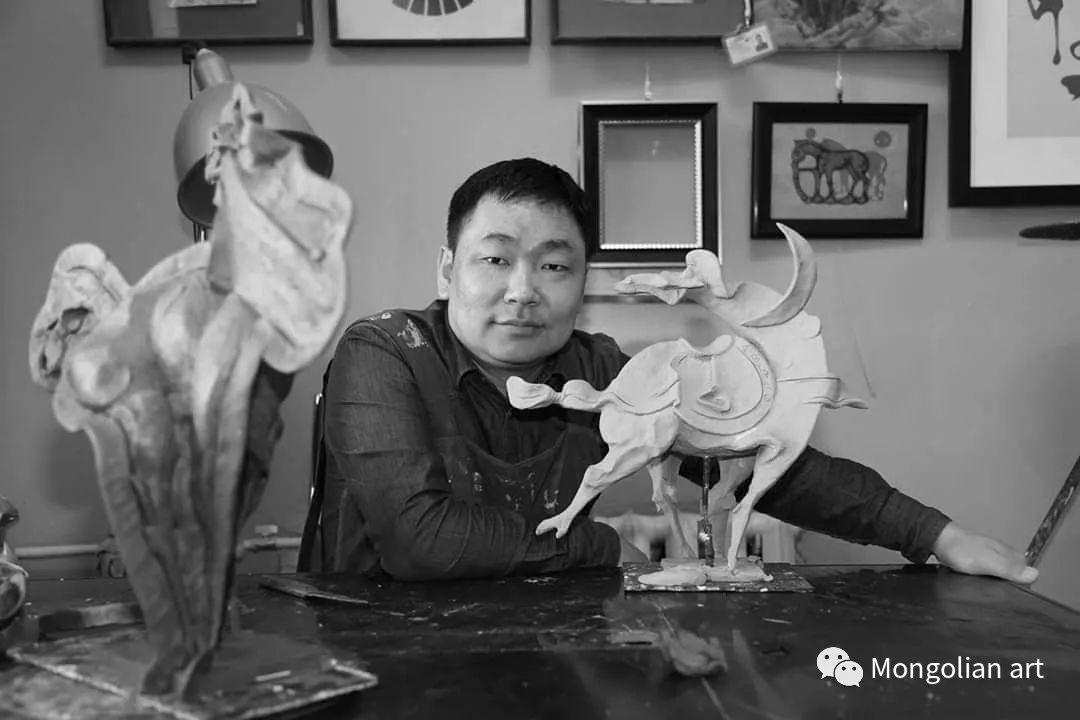 蒙古国美术家协会成员雕塑家Davaasambuu Tumennast