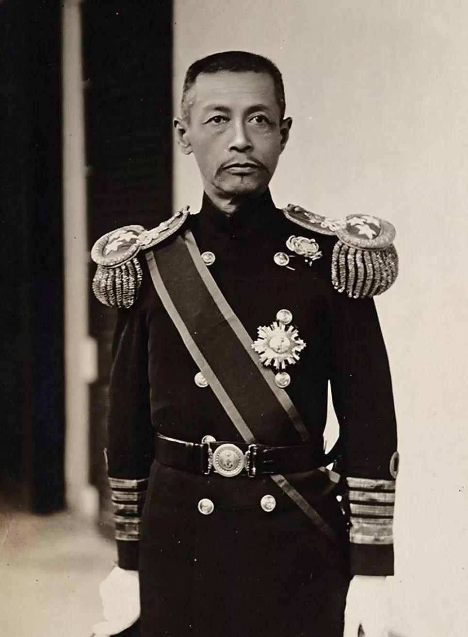 他是蒙古族后裔,担任民国海军司令,没想到书法温婉有才情 第1张