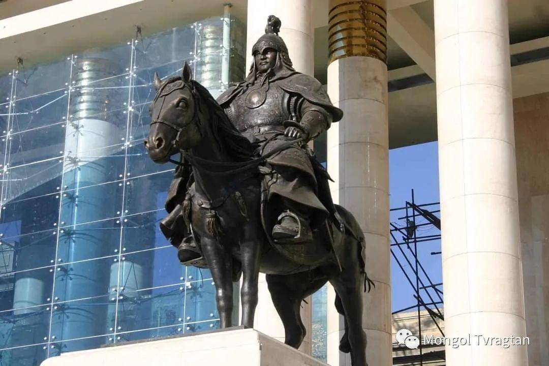 ᠤᠷᠠᠨ ᠪᠠᠷᠢᠮᠠᠯᠴᠢ - ᠯ᠂ ᠪᠤᠯᠤᠳ蒙古国雕塑家- 乐,宝力道 第4张