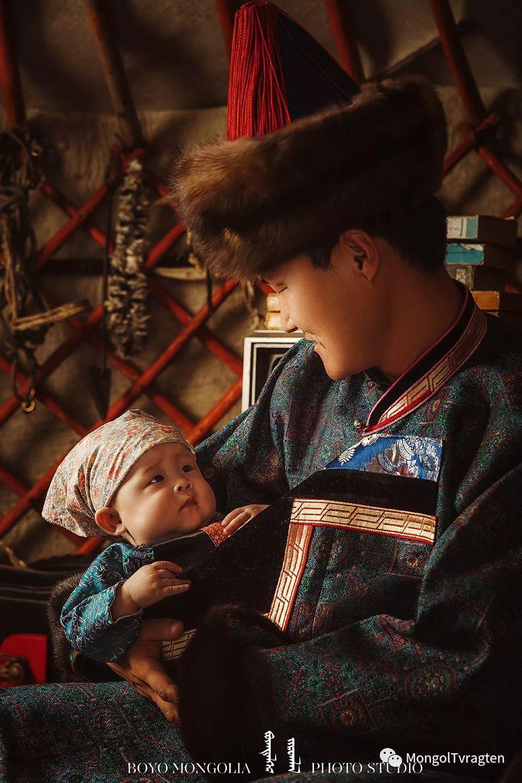 ᠪᠣᠶᠠᠨᠳᠡᠯᠭᠡᠷ ᠵᠢᠷᠣᠭᠯᠠᠯ 第13张 ᠪᠣᠶᠠᠨᠳᠡᠯᠭᠡᠷ ᠵᠢᠷᠣᠭᠯᠠᠯ 蒙古文化