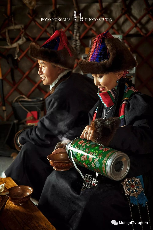 ᠪᠣᠶᠠᠨᠳᠡᠯᠭᠡᠷ ᠵᠢᠷᠣᠭᠯᠠᠯ 第34张 ᠪᠣᠶᠠᠨᠳᠡᠯᠭᠡᠷ ᠵᠢᠷᠣᠭᠯᠠᠯ 蒙古文化