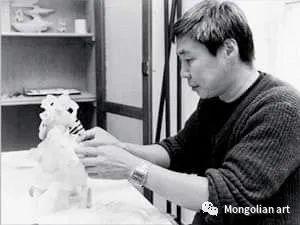 蒙古国家获奖雕塑家Tsevegmid Amgalan