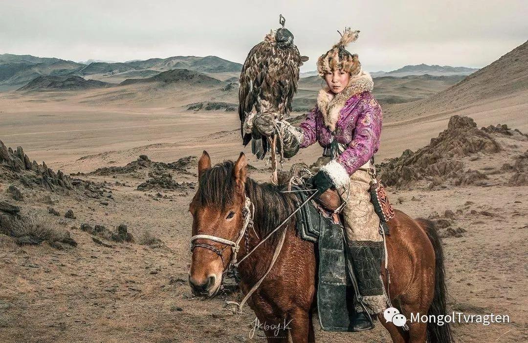 ᠮᠣᠩᠭᠣᠯ ᠵᠢᠷᠣᠭ- jkboy jatenipat 第4张 ᠮᠣᠩᠭᠣᠯ ᠵᠢᠷᠣᠭ- jkboy jatenipat 蒙古文化