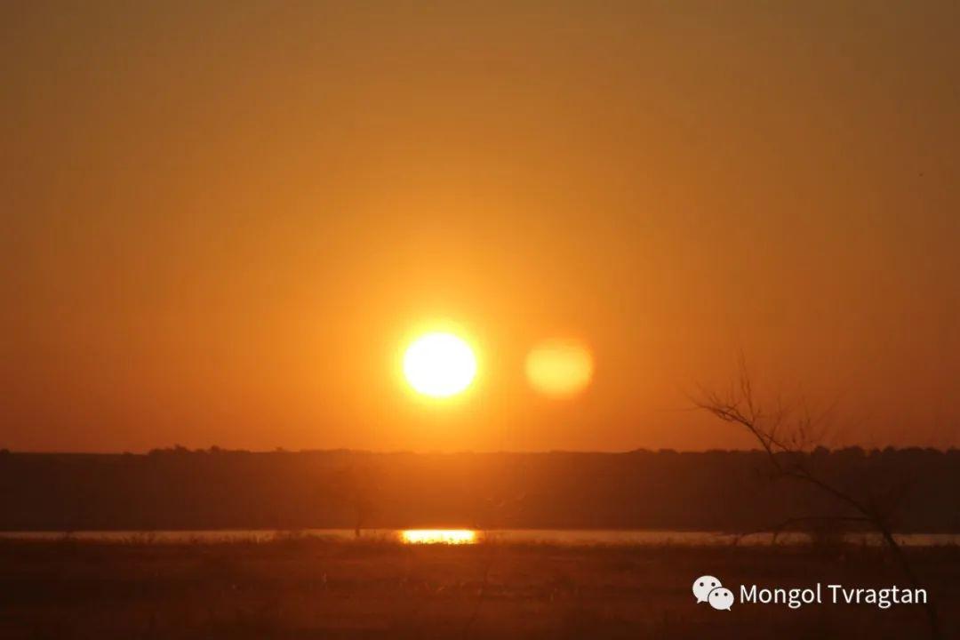 ᠮᠤᠩᠭᠤᠯ ᠵᠢᠷᠣᠭ- ᠰᠠᠷᠠᠭᠣᠯᠴᠡᠴᠡᠭ 第9张 ᠮᠤᠩᠭᠤᠯ ᠵᠢᠷᠣᠭ- ᠰᠠᠷᠠᠭᠣᠯᠴᠡᠴᠡᠭ 蒙古文化