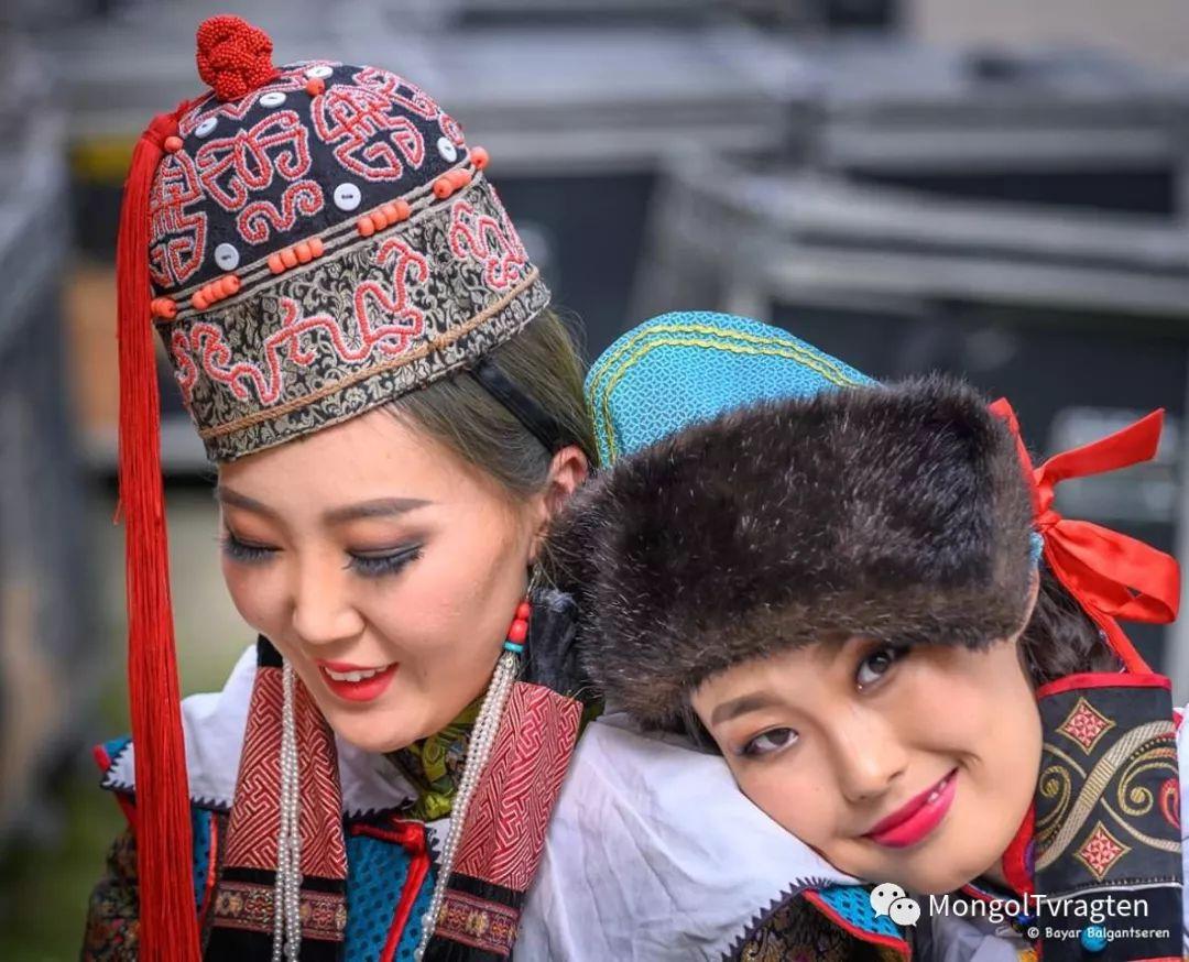 ᠮᠣᠩᠭᠣᠯ ᠨᠠᠭᠠᠳᠣᠮ 那达慕 第38张 ᠮᠣᠩᠭᠣᠯ ᠨᠠᠭᠠᠳᠣᠮ 那达慕 蒙古文化