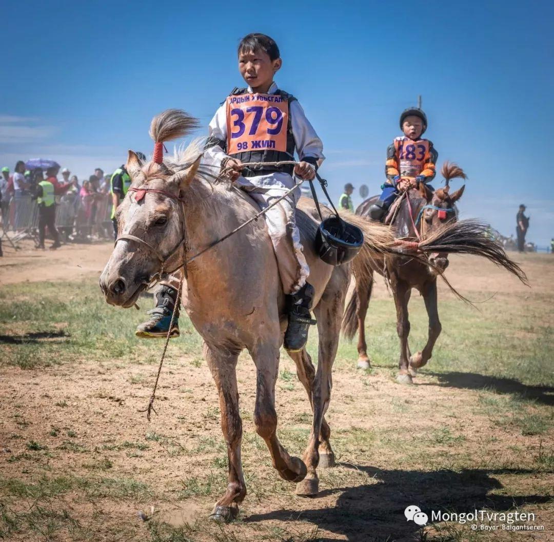 ᠮᠣᠩᠭᠣᠯ ᠨᠠᠭᠠᠳᠣᠮ 那达慕 第60张 ᠮᠣᠩᠭᠣᠯ ᠨᠠᠭᠠᠳᠣᠮ 那达慕 蒙古文化