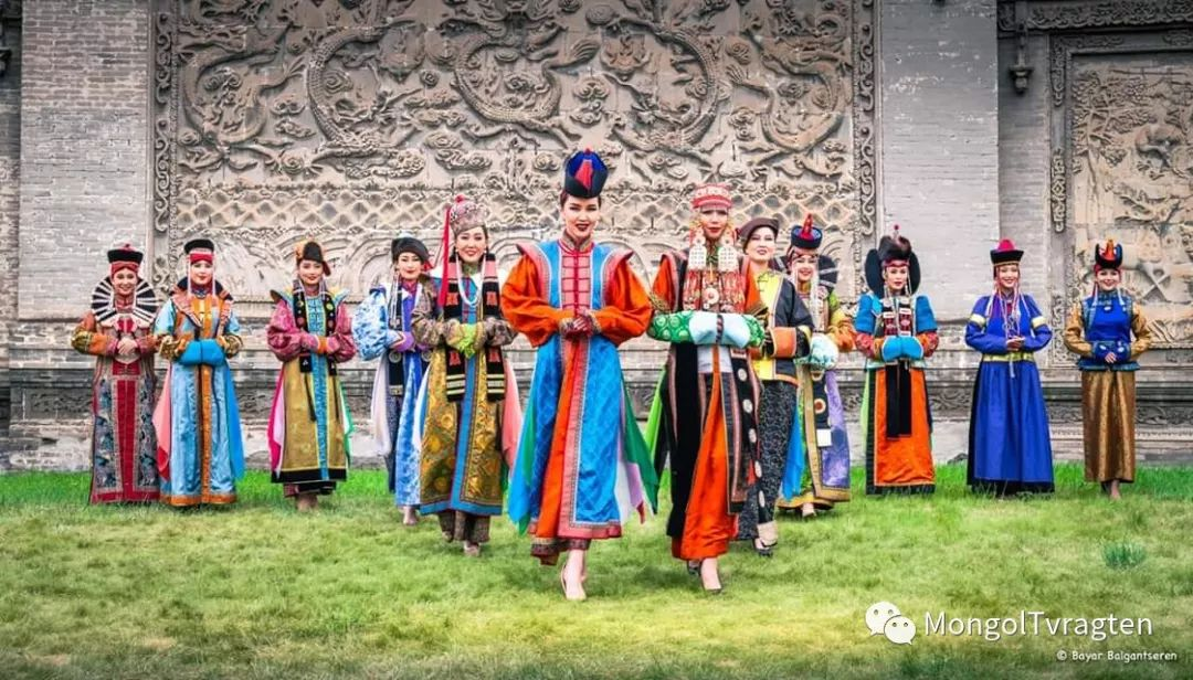 ᠮᠣᠩᠭᠣᠯ ᠨᠠᠭᠠᠳᠣᠮ 那达慕 第63张 ᠮᠣᠩᠭᠣᠯ ᠨᠠᠭᠠᠳᠣᠮ 那达慕 蒙古文化
