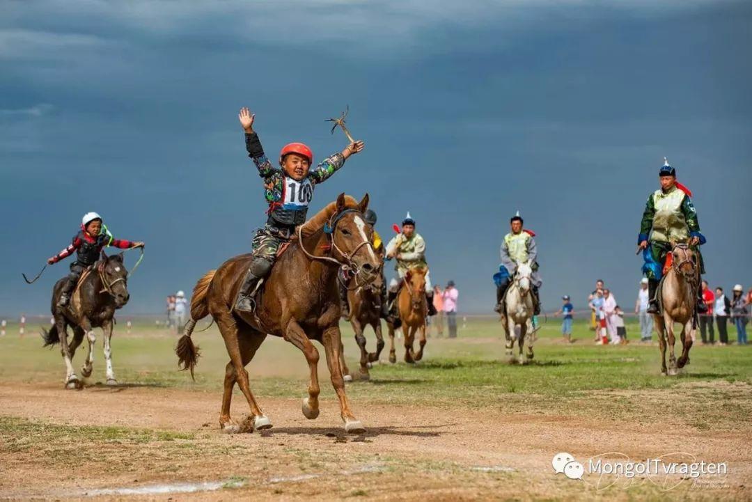 ᠮᠣᠩᠭᠣᠯ ᠨᠠᠭᠠᠳᠣᠮ 那达慕 第70张 ᠮᠣᠩᠭᠣᠯ ᠨᠠᠭᠠᠳᠣᠮ 那达慕 蒙古文化