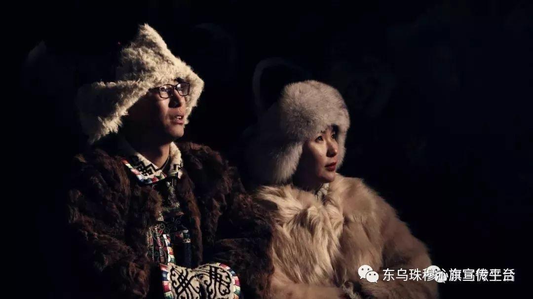 乌珠穆沁传统民族服饰,美得惊艳众人