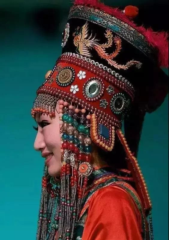 【乌拉特文化】霓裳   华丽的蒙古族头饰 第5张 【乌拉特文化】霓裳   华丽的蒙古族头饰 蒙古服饰