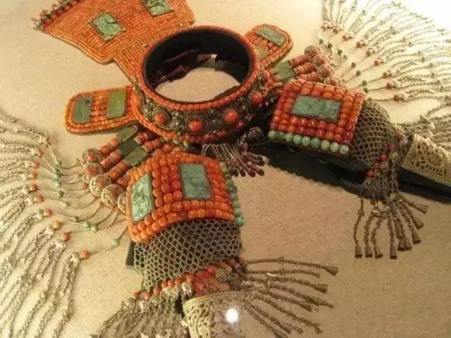 【乌拉特文化】霓裳   华丽的蒙古族头饰 第10张 【乌拉特文化】霓裳   华丽的蒙古族头饰 蒙古服饰