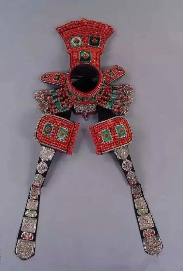 【乌拉特文化】霓裳   华丽的蒙古族头饰 第12张 【乌拉特文化】霓裳   华丽的蒙古族头饰 蒙古服饰