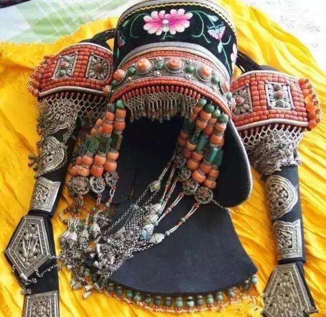 【乌拉特文化】霓裳   华丽的蒙古族头饰 第13张 【乌拉特文化】霓裳   华丽的蒙古族头饰 蒙古服饰