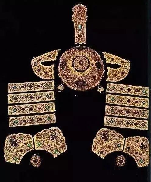 【乌拉特文化】霓裳   华丽的蒙古族头饰 第15张 【乌拉特文化】霓裳   华丽的蒙古族头饰 蒙古服饰