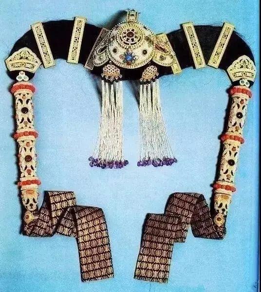 【乌拉特文化】霓裳   华丽的蒙古族头饰 第16张 【乌拉特文化】霓裳   华丽的蒙古族头饰 蒙古服饰