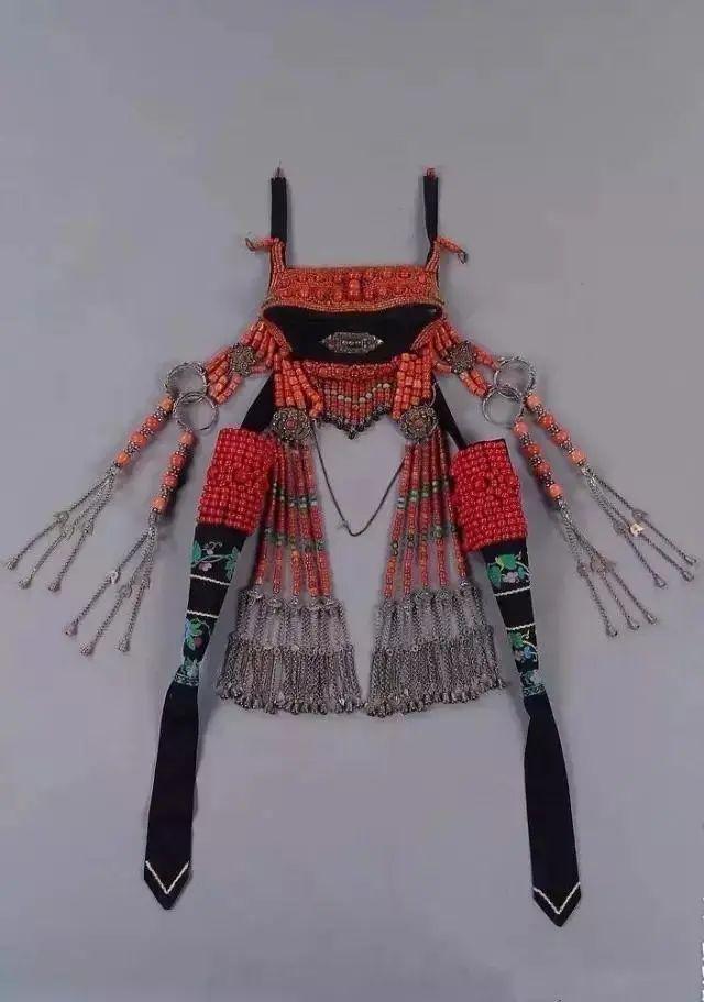 【乌拉特文化】霓裳   华丽的蒙古族头饰 第18张 【乌拉特文化】霓裳   华丽的蒙古族头饰 蒙古服饰