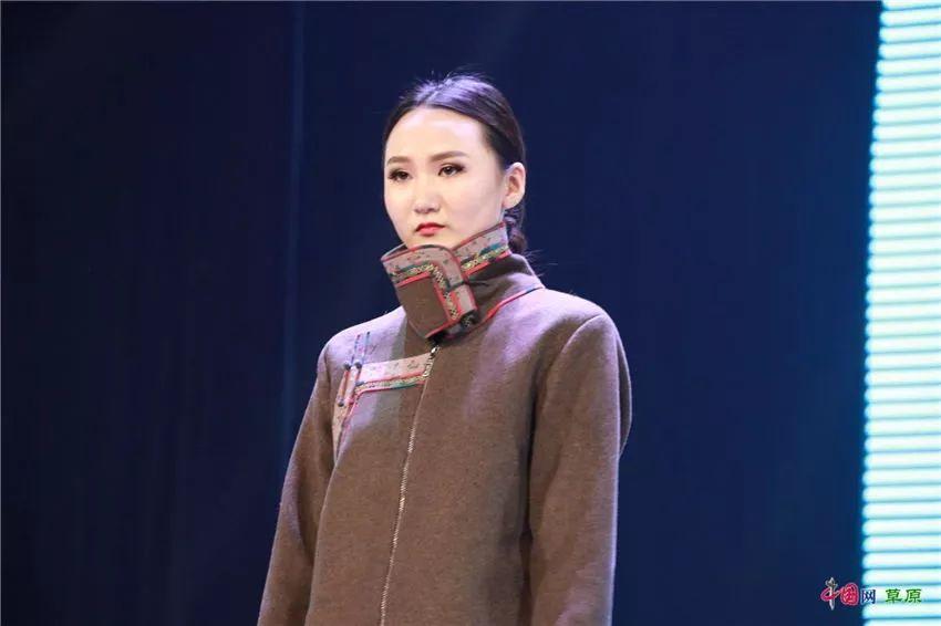 第十六届蒙古族服装服饰艺术节,绚丽多彩的蒙古袍 第25张 第十六届蒙古族服装服饰艺术节,绚丽多彩的蒙古袍 蒙古服饰
