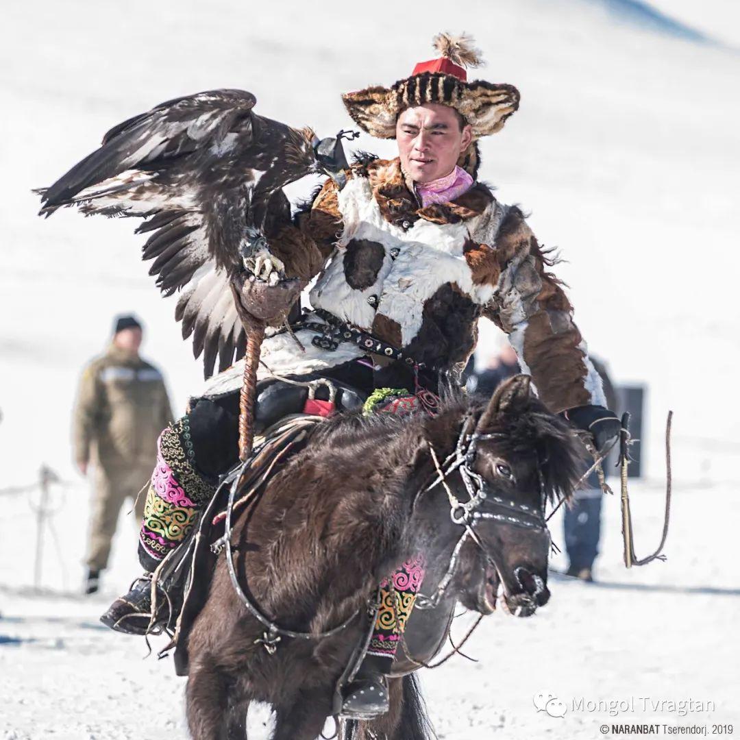 ᠮᠣᠩᠭᠤᠯ ᠰᠡᠭᠦᠳᠡᠷ- ᠴ᠂ ᠨᠠᠷᠠᠨᠪᠠᠲᠤ 第6张 ᠮᠣᠩᠭᠤᠯ ᠰᠡᠭᠦᠳᠡᠷ- ᠴ᠂ ᠨᠠᠷᠠᠨᠪᠠᠲᠤ 蒙古文化