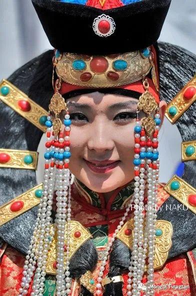 ᠮᠣᠩᠭᠤᠯ ᠰᠡᠭᠦᠳᠡᠷ- ᠴ᠂ ᠨᠠᠷᠠᠨᠪᠠᠲᠤ 第27张 ᠮᠣᠩᠭᠤᠯ ᠰᠡᠭᠦᠳᠡᠷ- ᠴ᠂ ᠨᠠᠷᠠᠨᠪᠠᠲᠤ 蒙古文化