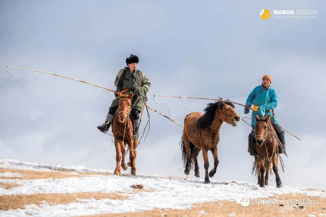 ᠮᠣᠩᠭᠤᠯ ᠰᠡᠭᠦᠳᠡᠷ- ᠴ᠂ ᠨᠠᠷᠠᠨᠪᠠᠲᠤ 第52张 ᠮᠣᠩᠭᠤᠯ ᠰᠡᠭᠦᠳᠡᠷ- ᠴ᠂ ᠨᠠᠷᠠᠨᠪᠠᠲᠤ 蒙古文化