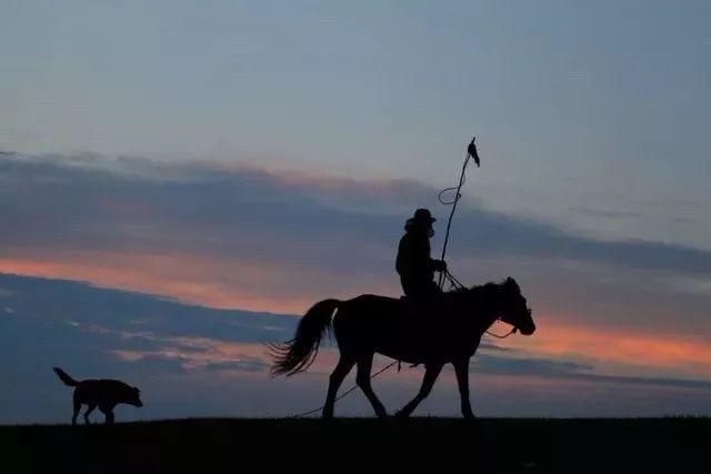 ᠣᠲᠣᠷ ᠊ᠤᠨ  ᠠᠳᠤᠭᠤᠴᠢᠨ 第1张 ᠣᠲᠣᠷ ᠊ᠤᠨ  ᠠᠳᠤᠭᠤᠴᠢᠨ 蒙古音乐