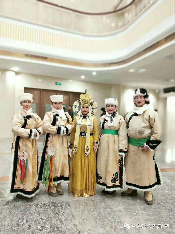 传统陈巴尔虎袍子传承人—敖登高娃 第7张 传统陈巴尔虎袍子传承人—敖登高娃 蒙古服饰