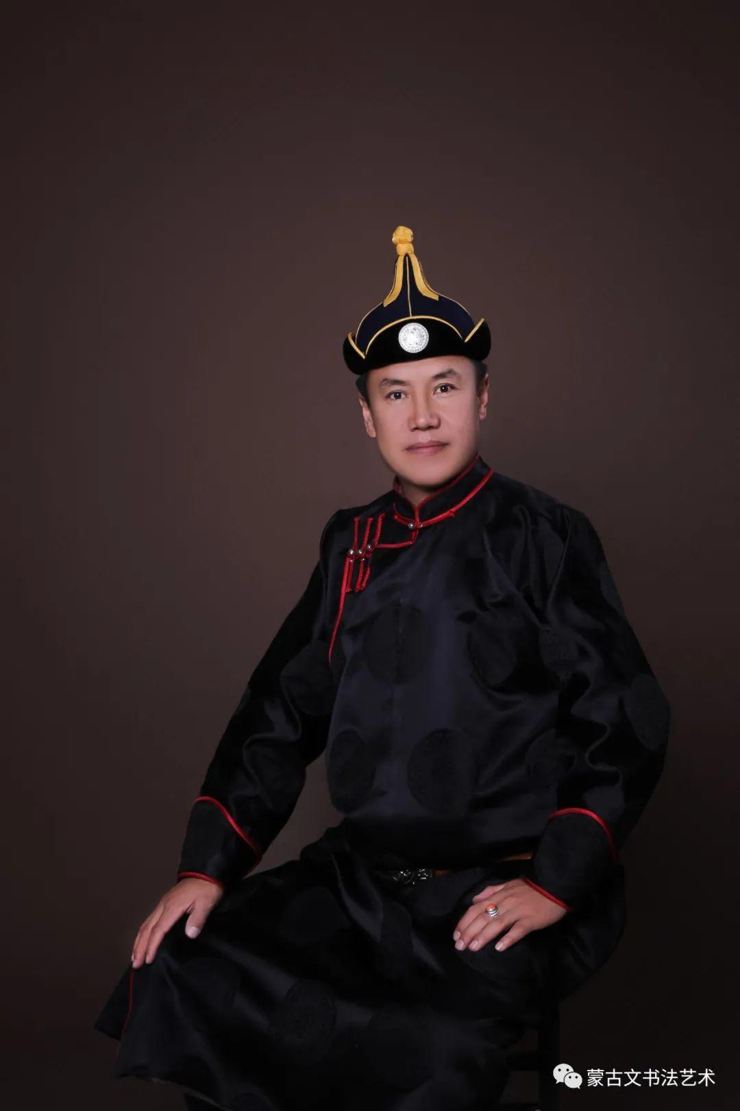 毕力格图出新书了《蒙古文书法字帖》 第1张 毕力格图出新书了《蒙古文书法字帖》 蒙古书法