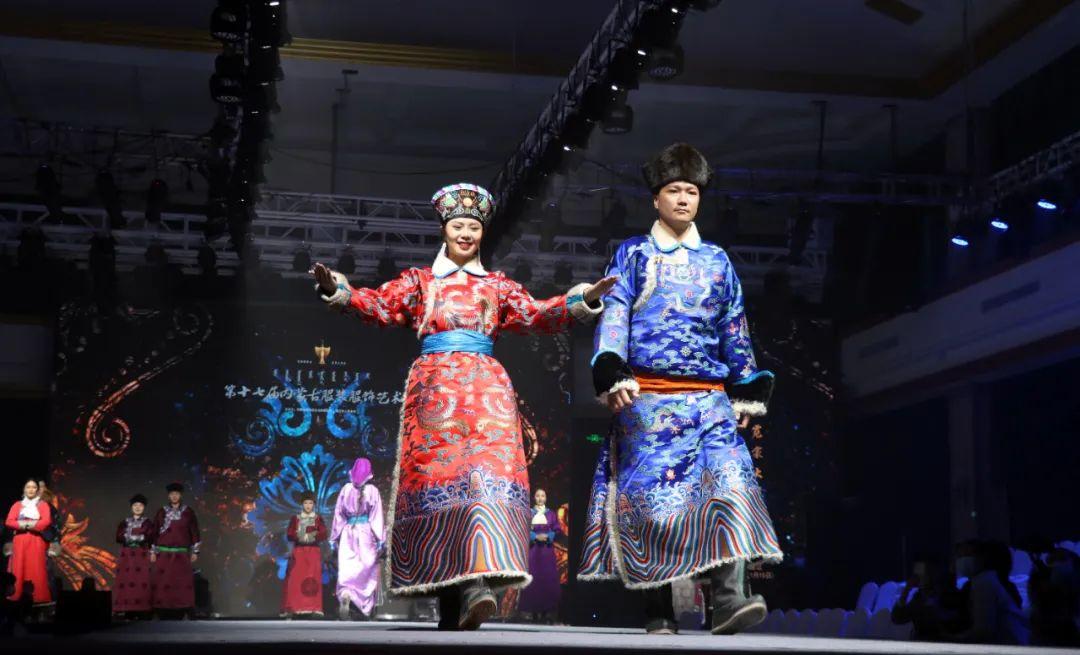 2020蒙古族服装服饰设计大赛 ᠮᠣᠩᠭᠤᠯ ᠦᠨᠳᠦᠰᠦᠲᠡᠨᠦ᠌ ᠬᠤᠪᠴᠠᠰᠤ ᠵᠠᠰᠠᠯᠤ᠋ᠨ ᠤᠷᠤᠯᠳᠤᠭᠠᠨ 第6张 2020蒙古族服装服饰设计大赛 ᠮᠣᠩᠭᠤᠯ ᠦᠨᠳᠦᠰᠦᠲᠡᠨᠦ᠌ ᠬᠤᠪᠴᠠᠰᠤ ᠵᠠᠰᠠᠯᠤ᠋ᠨ ᠤᠷᠤᠯᠳᠤᠭᠠᠨ 蒙古服饰