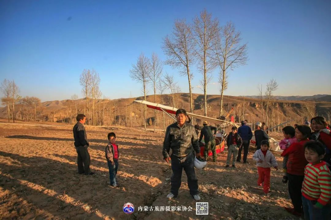 豪气难掩,志在蓝天——记我区著名蒙古族航空摄影家诺敏·何 第5张 豪气难掩,志在蓝天——记我区著名蒙古族航空摄影家诺敏·何 蒙古文化