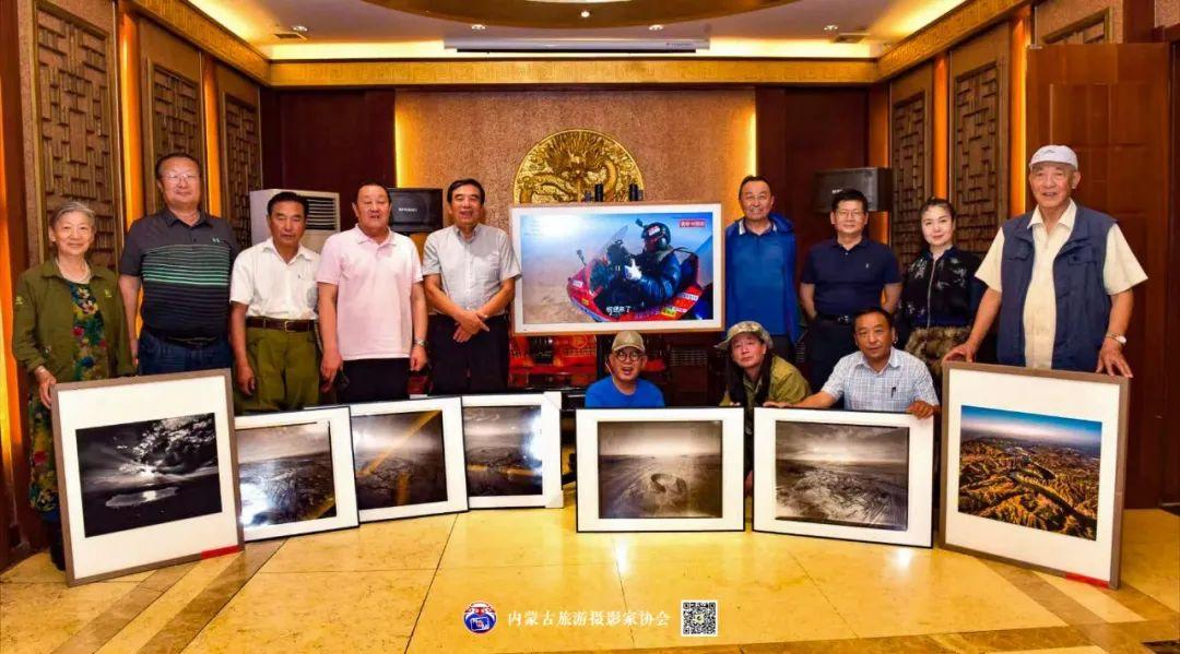 豪气难掩,志在蓝天——记我区著名蒙古族航空摄影家诺敏·何 第31张 豪气难掩,志在蓝天——记我区著名蒙古族航空摄影家诺敏·何 蒙古文化