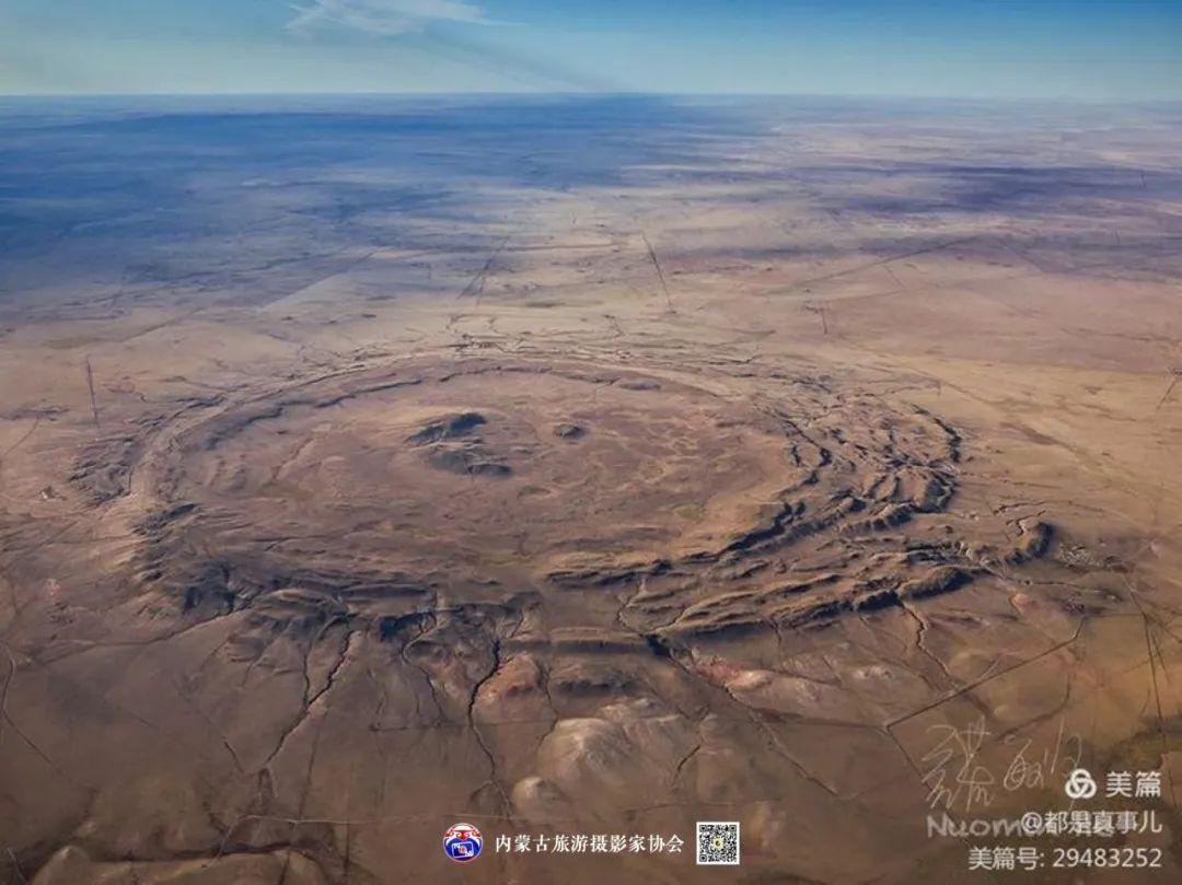 豪气难掩,志在蓝天——记我区著名蒙古族航空摄影家诺敏·何 第58张 豪气难掩,志在蓝天——记我区著名蒙古族航空摄影家诺敏·何 蒙古文化