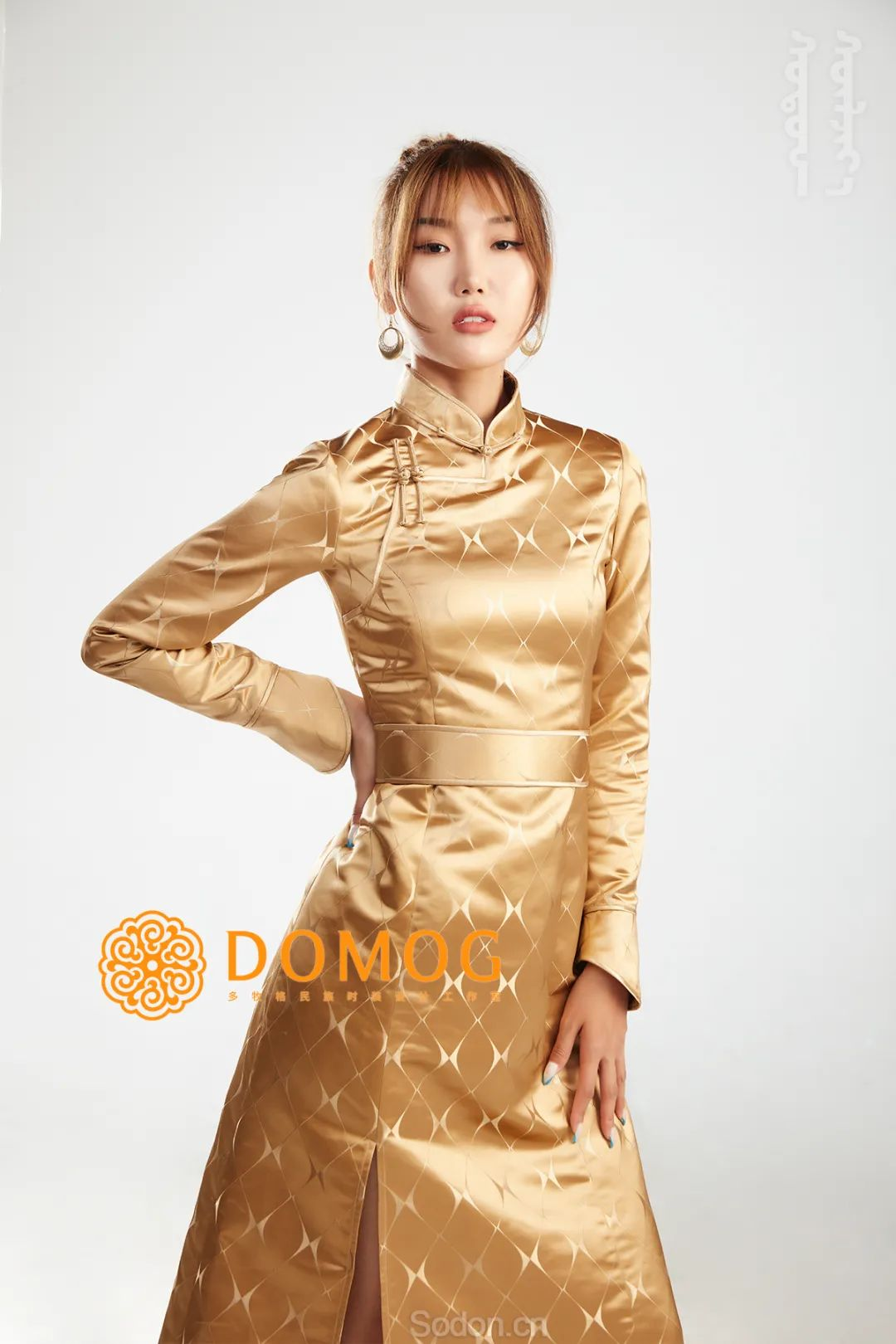 DOMOG 蒙古时装2020新款,民族与时尚的融合 第12张 DOMOG 蒙古时装2020新款,民族与时尚的融合 蒙古服饰