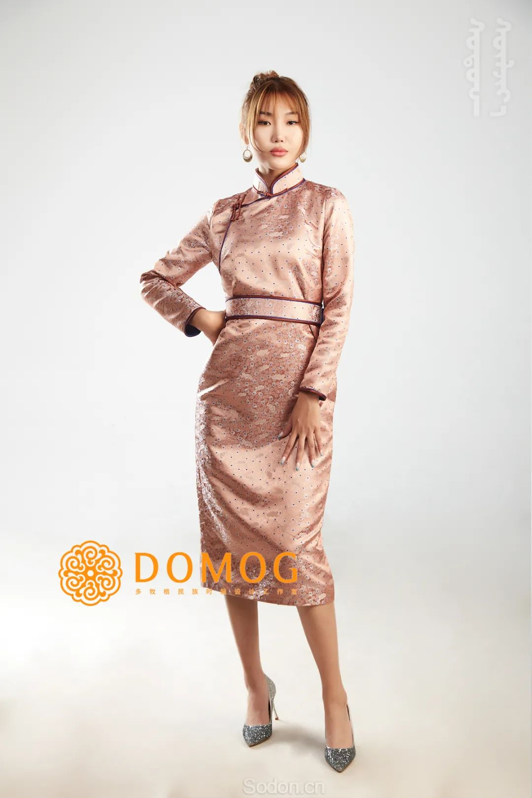 DOMOG 蒙古时装2020新款,民族与时尚的融合 第28张 DOMOG 蒙古时装2020新款,民族与时尚的融合 蒙古服饰
