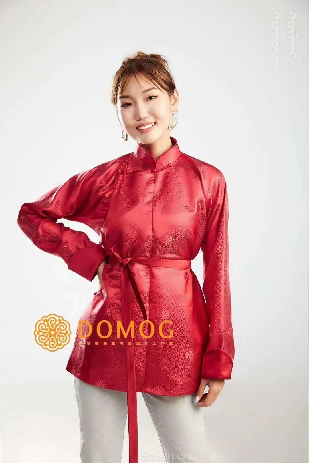 DOMOG 蒙古时装2020新款,民族与时尚的融合 第39张 DOMOG 蒙古时装2020新款,民族与时尚的融合 蒙古服饰