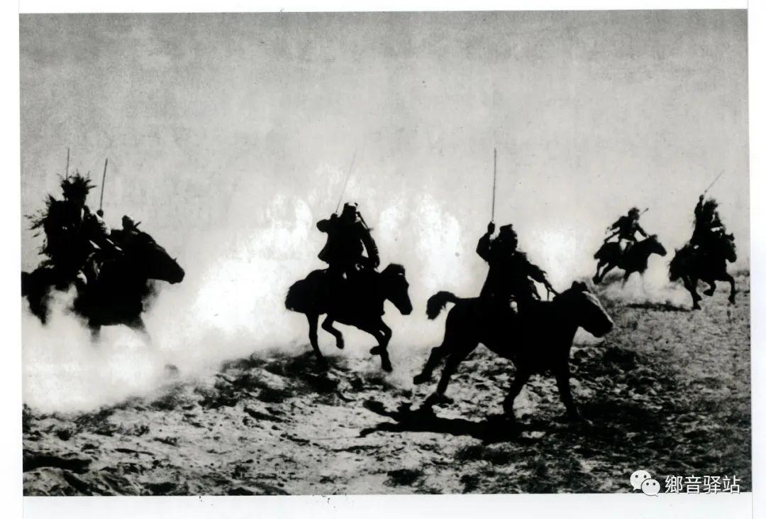 写在纪录片《内蒙古骑兵》开播之际——我区著名作家萨仁托娅 第4张 写在纪录片《内蒙古骑兵》开播之际——我区著名作家萨仁托娅 蒙古文化