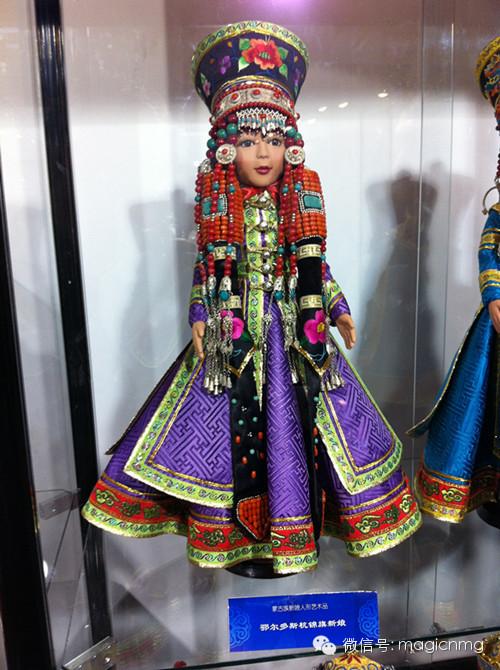 """蒙古族新娘""""芭比娃娃"""" 第3张 蒙古族新娘""""芭比娃娃"""" 蒙古工艺"""