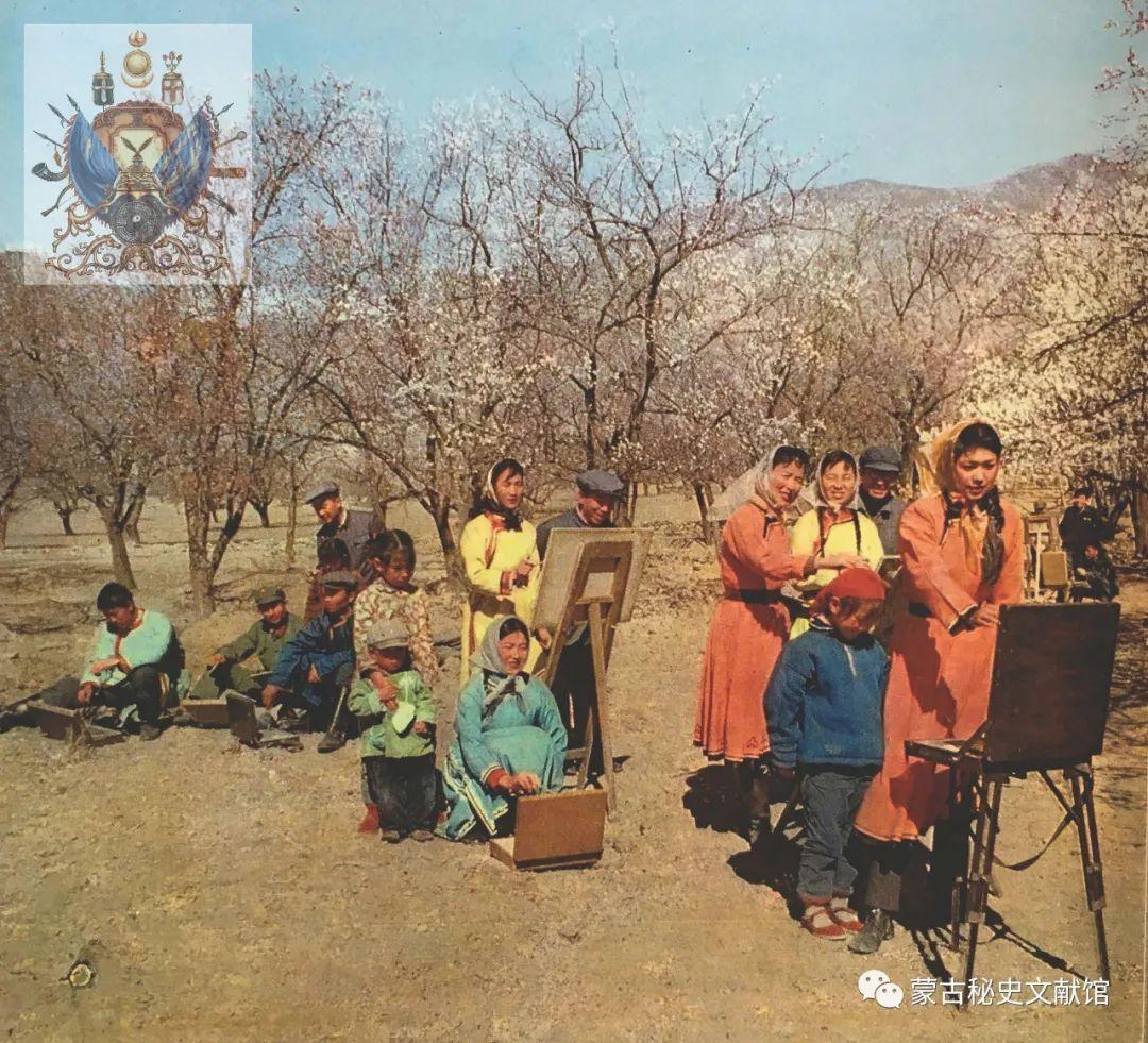 内蒙古教育自治区成立30年画册 第34张 内蒙古教育自治区成立30年画册 蒙古文化