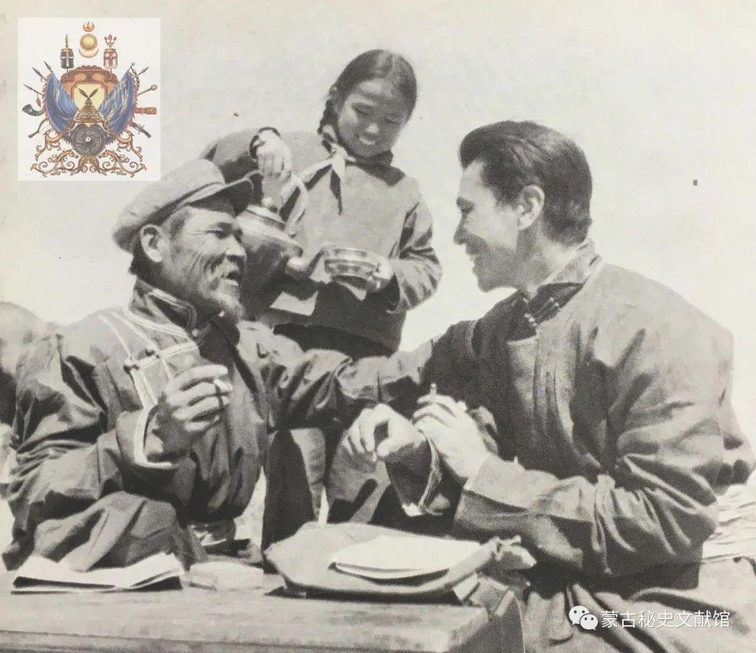 内蒙古教育自治区成立30年画册 第68张 内蒙古教育自治区成立30年画册 蒙古文化