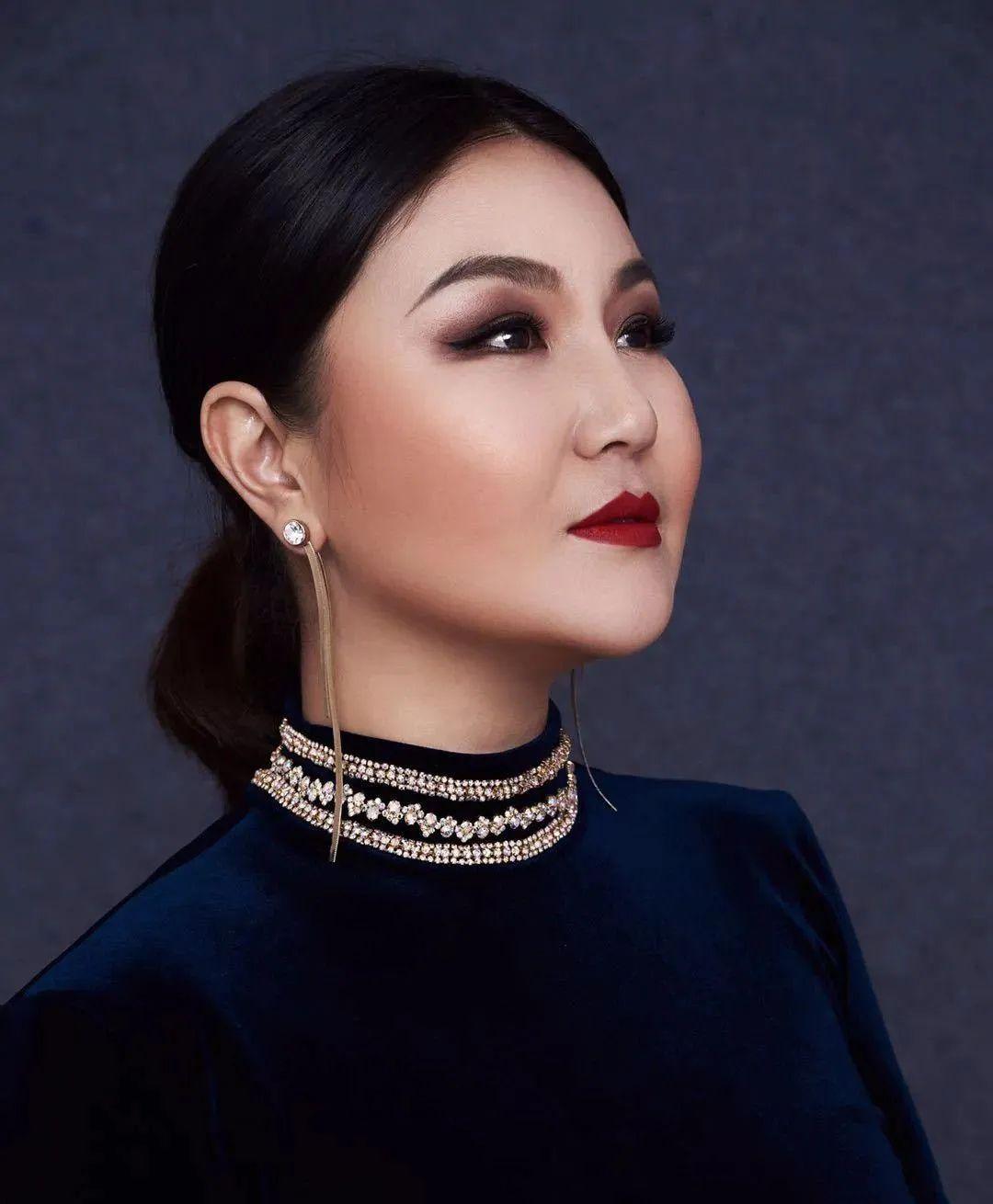 又一位蒙古族实力唱将在《星光大道》屡获佳绩,来听TA的音乐